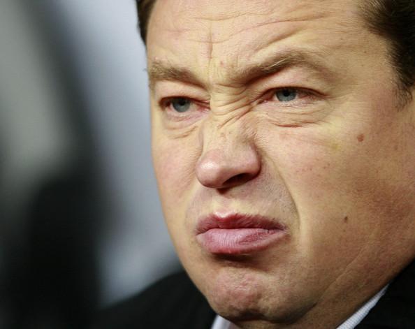 Leonid Slutskiy, þjálfari CSKA, var markmaður en þurfti að hætta eftir að hann datt niður úr tréi og meiddist alvarlega.