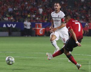 Sánchez skorar gegn AC Milan